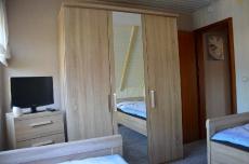 2. Schlafzimmer im 1.OG 29/b